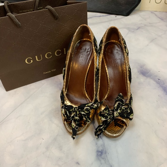 Gucci Shoes - GUCCI copper snakeskin heels